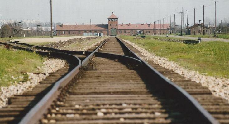 Das Konzentrationslager Auschwitz II - Birkenau. Weit mehr als eine Million Menschen - vor allem Juden - wurden hier eingepfercht und getötet. Archivfoto: Hans-Jürgen Amtage